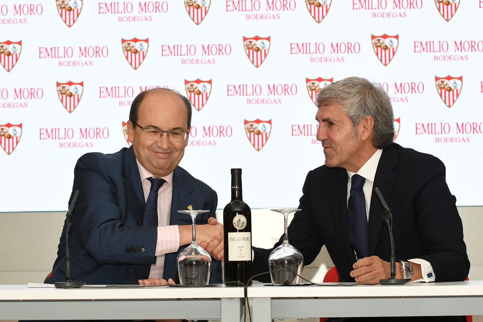 Bodegas Emilio Moro y el Sevilla FC levantamos la primera copa de la temporada